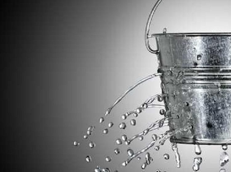 給水管の継ぎ目や蛇口からの水漏れの場合