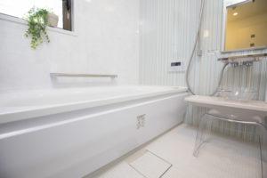 バスルームの水漏れの解決方法