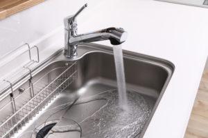 蛇口の水漏れの原因と修理方法