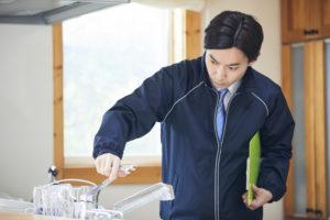 キッチンまわりのトラブルの原因と修理方法を紹介