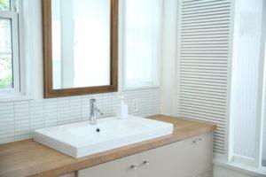 洗面所の水漏れの原因と直し方