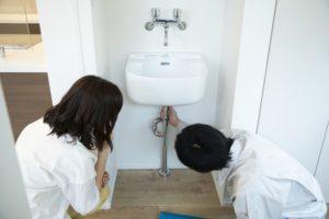 排水管のつまりをワイヤーで解決する方法を解説!